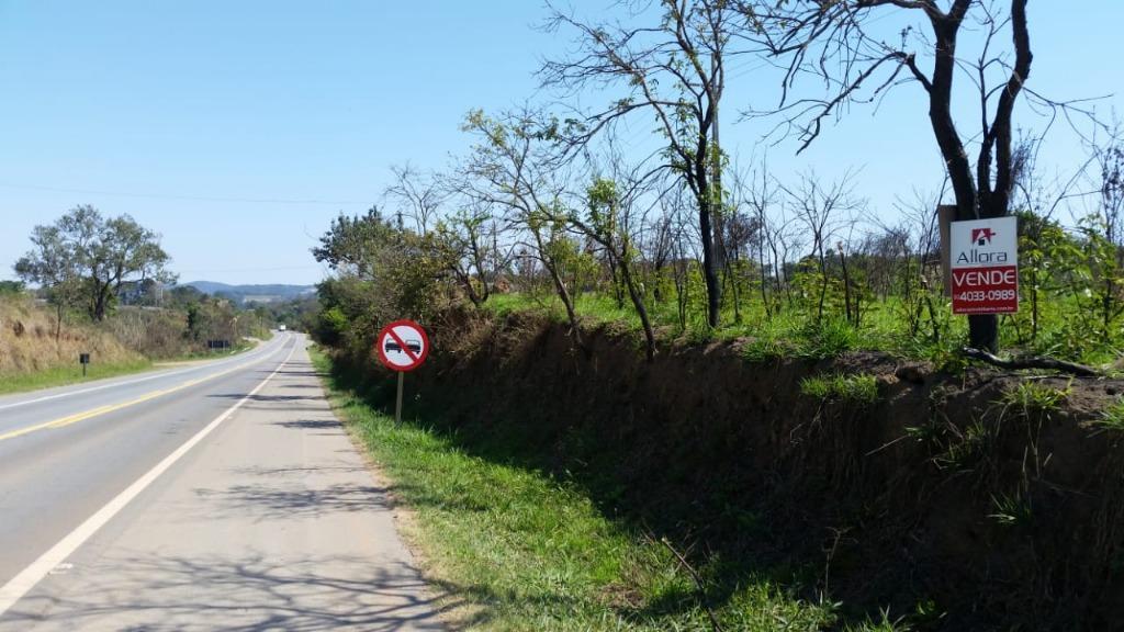 Área rural Frente para Rodovia à venda, Biriçá, Bragança Paulista.