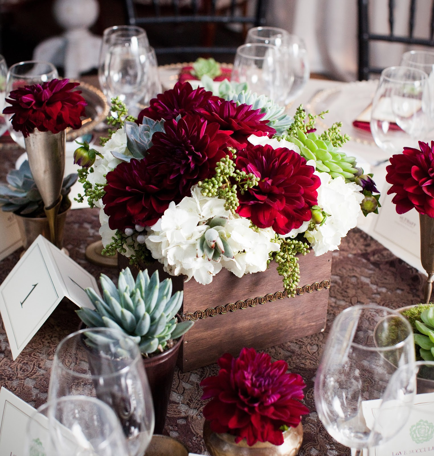 Lovetta s modern wedding centerpieces