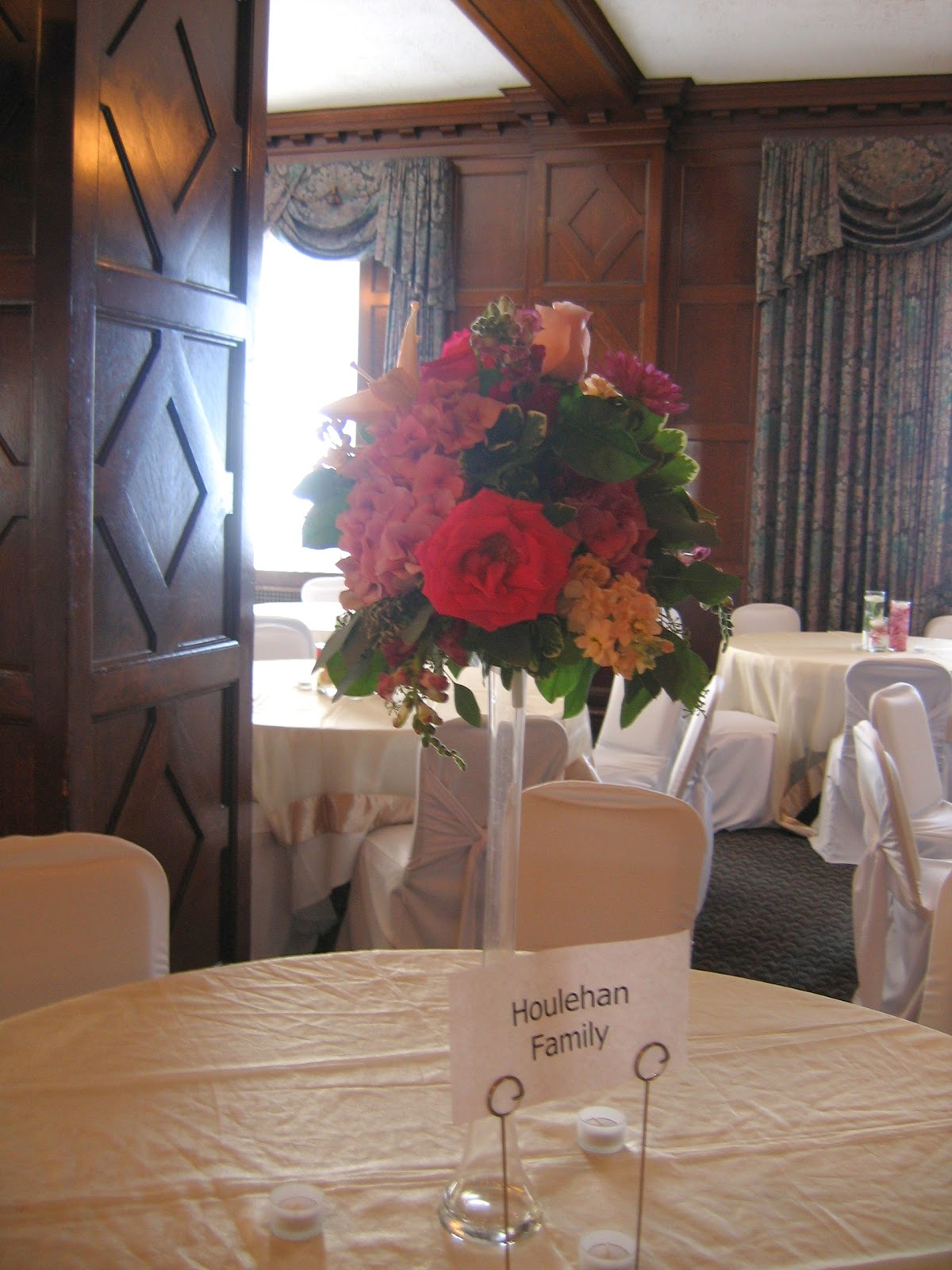 vase centrepieces for weddings