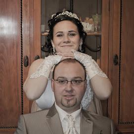 mosoly by Ingrid Vasas - Wedding Bride & Groom ( mosoly )