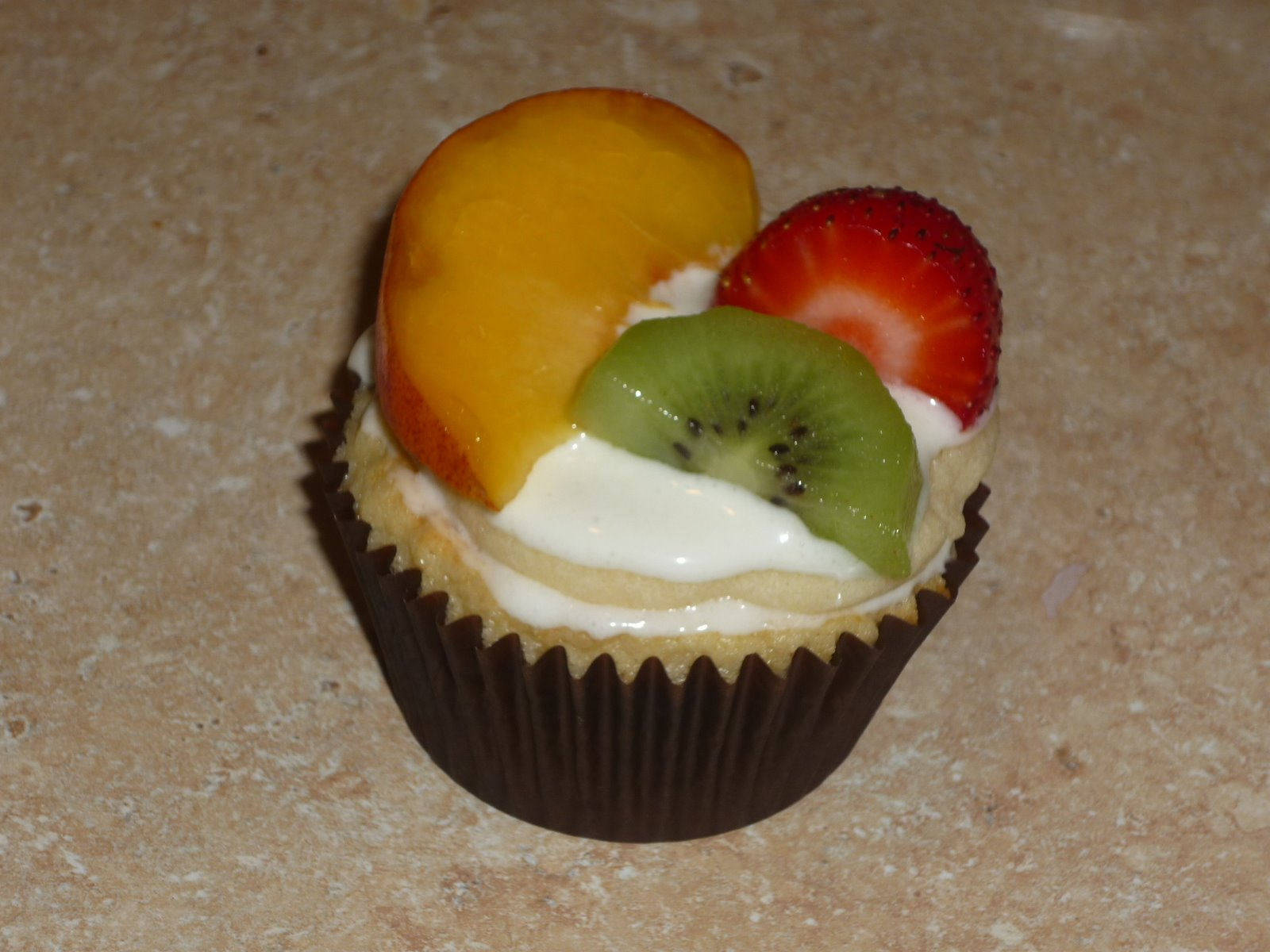 a Fruit Pizza Cupcake
