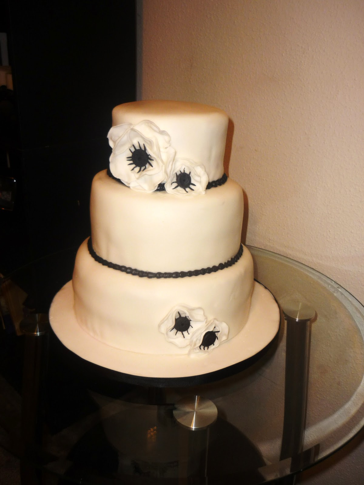 and White Wedding Cake