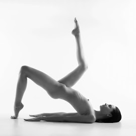 Form by Carl0s Dennis - Nudes & Boudoir Artistic Nude ( studio, sexy, nude, black and white, female, acrobat )