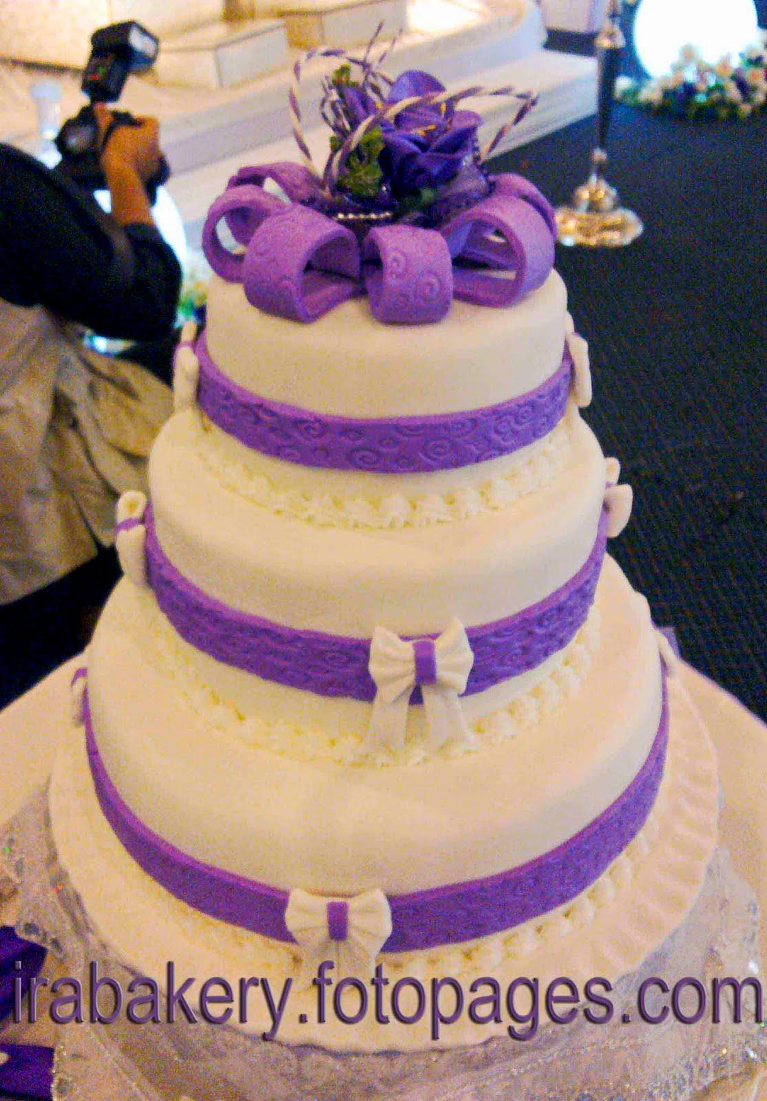 monique lhuillier lace bridal