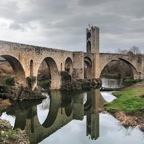 Pont vell by Jose Maria Vidal Sanz - Buildings & Architecture Bridges & Suspended Structures ( catalonia, girona, reflejo, besalu, bridge )