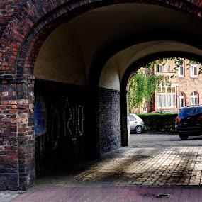 06 Nikiszowiec - zaglądamy na podwórko by Marek Rosiński - Buildings & Architecture Public & Historical ( urban, look at the yard, historic building, old buildings, history, europe, architecture )