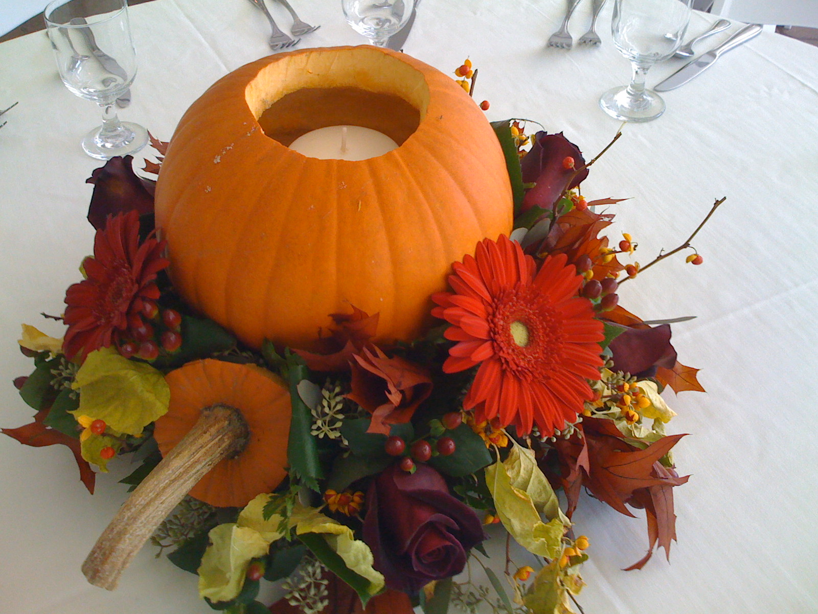 Wedding accessories ideas for Simple pumpkin centerpieces