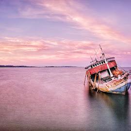 . ... ........ by Adi Prakasa - Transportation Boats
