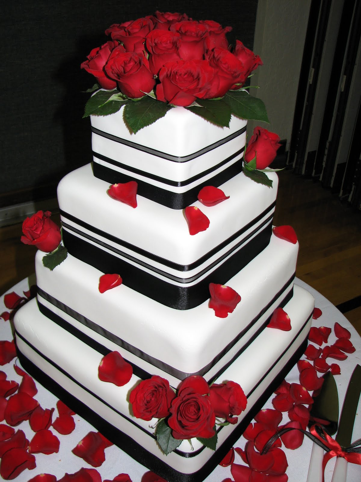 Fondant Black/Red Wedding Cake