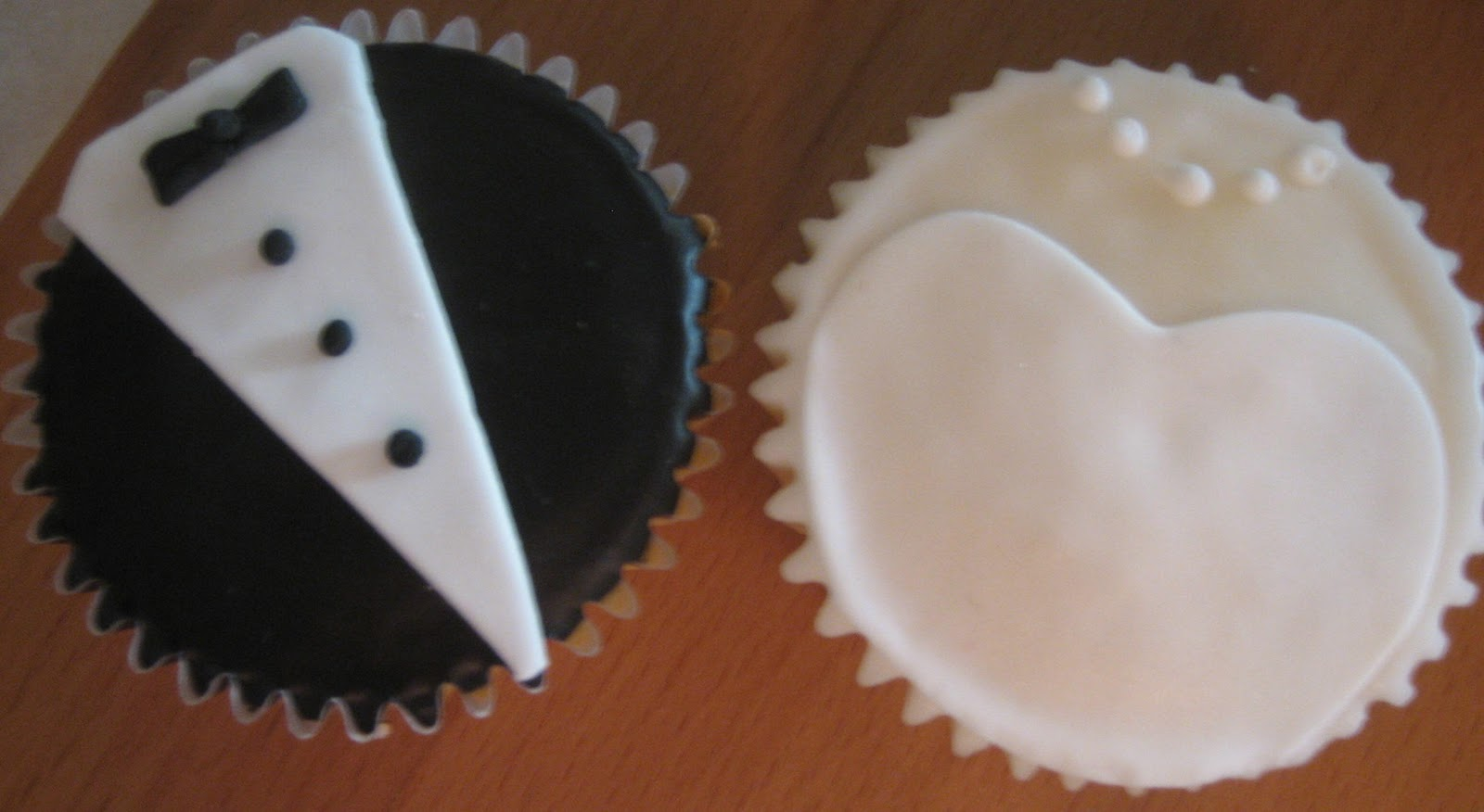 wedding reception cupcake