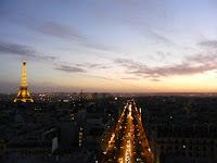 La Torre Eiffel desde lo alto del arco
