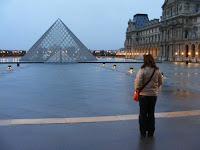 El primer Domingo de cada mes los museos son gratuitos, incluso el Louvre con su famosa pirámide
