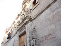 En la rebautizada como 'Plaza del Expolio' se encuentra el Archivo Histórico, cuyo contenido original ha sido trasladado a Cataluña
