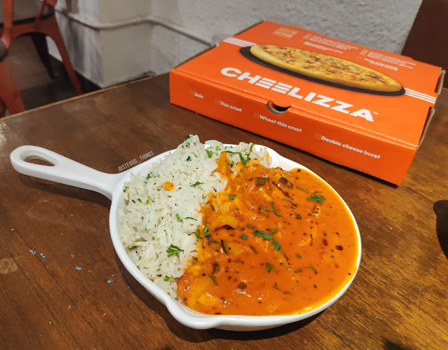 Tanishka and Vicky at Cheelizza, Juhu, Mumbai photos