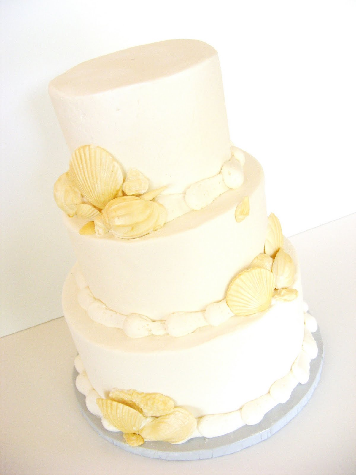 beach wedding cakes pictures