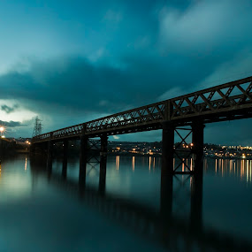 Night link by Natalie Houlding - Buildings & Architecture Bridges & Suspended Structures