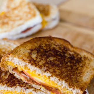 Apple Bacon and Cheddar Grilled Cheese