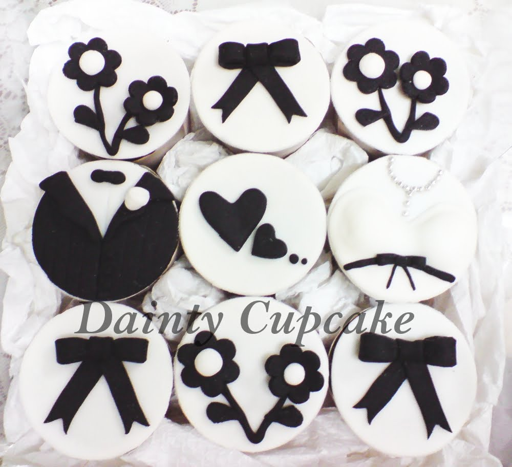 Black & White themed wedding