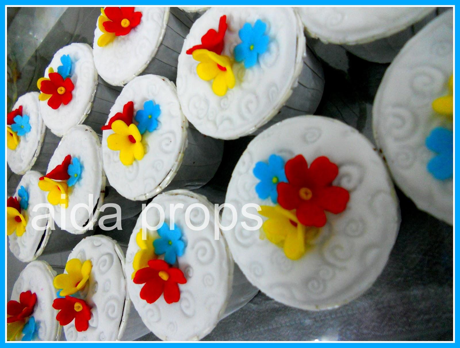 Fancy Flowers Cupcakes