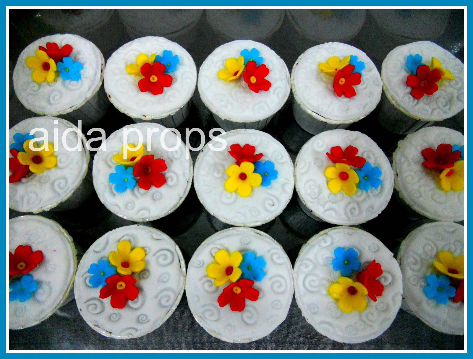 Fancy Flowers Cupcakes