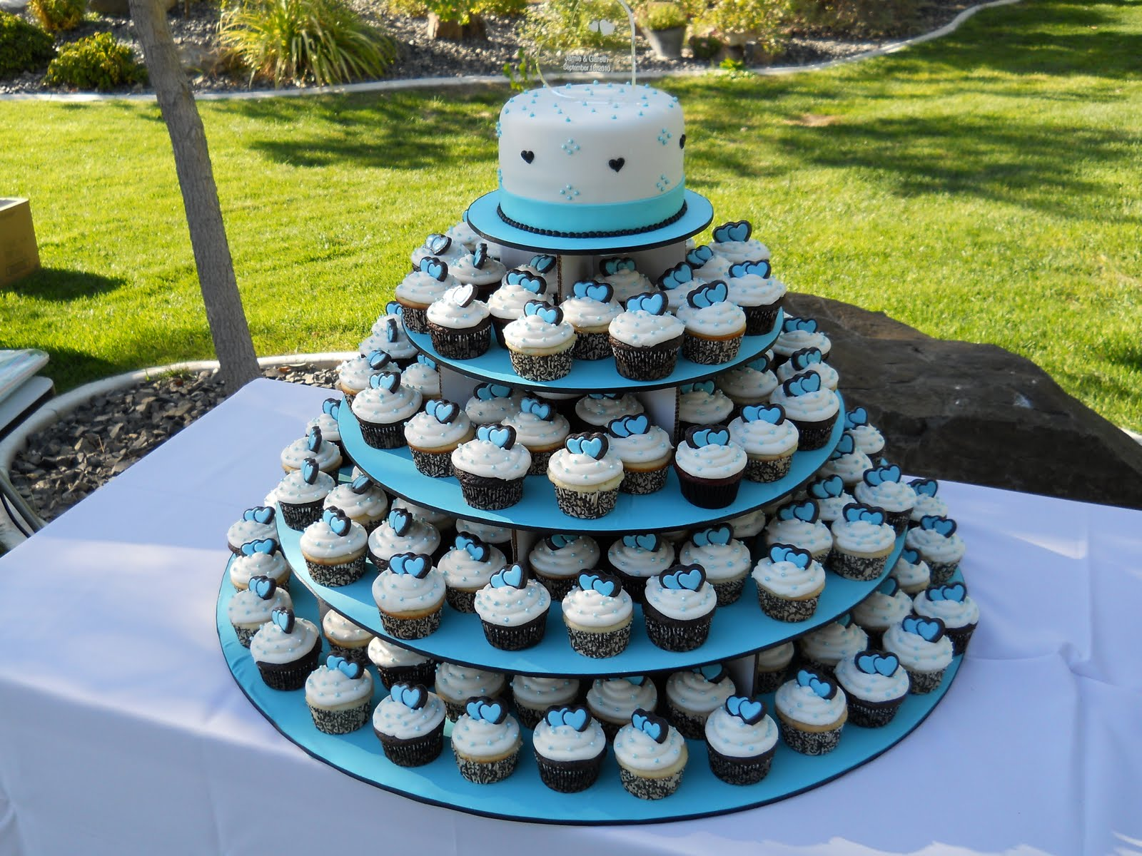 cupcake wedding cake with