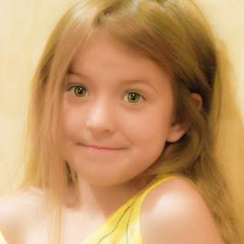 by David  Clayton - Babies & Children Child Portraits ( pretty, young girl, innocence, little girl, green eyes, innocent, blonde, girl,  )