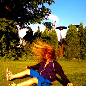 Cartwheel Landing.  by Sara Swanson - People High School Seniors