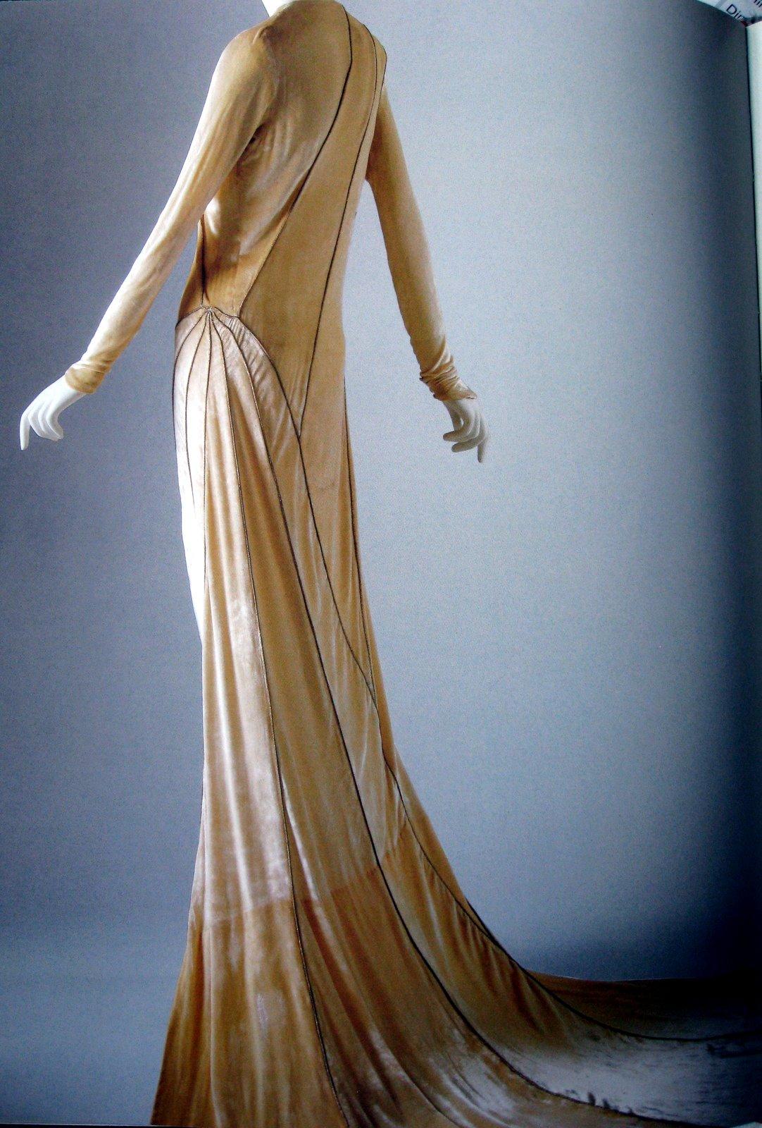 Steffinator 39 s blog black and white fondant for Art deco wedding dresses