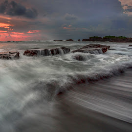 tide  by Esther Pupung - Landscapes Waterscapes