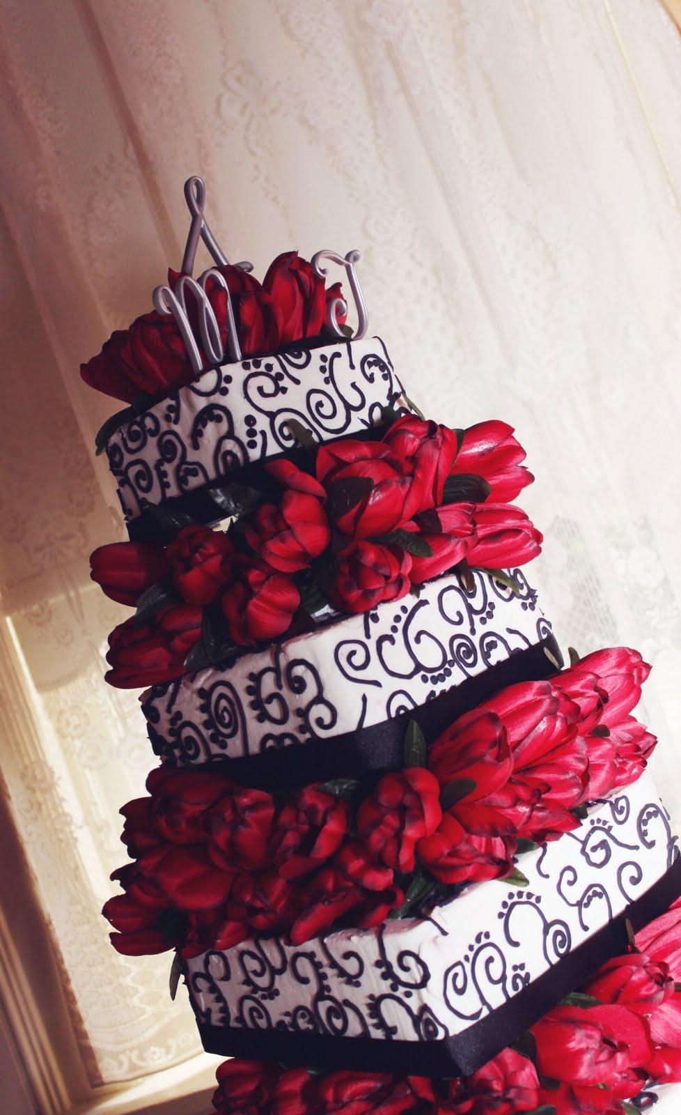 Cupcakes: WEDDING CAKES