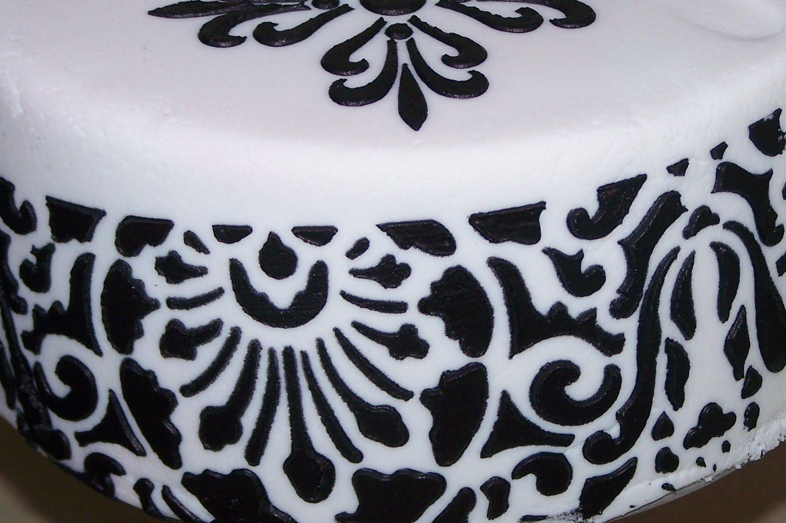 damask wedding cake