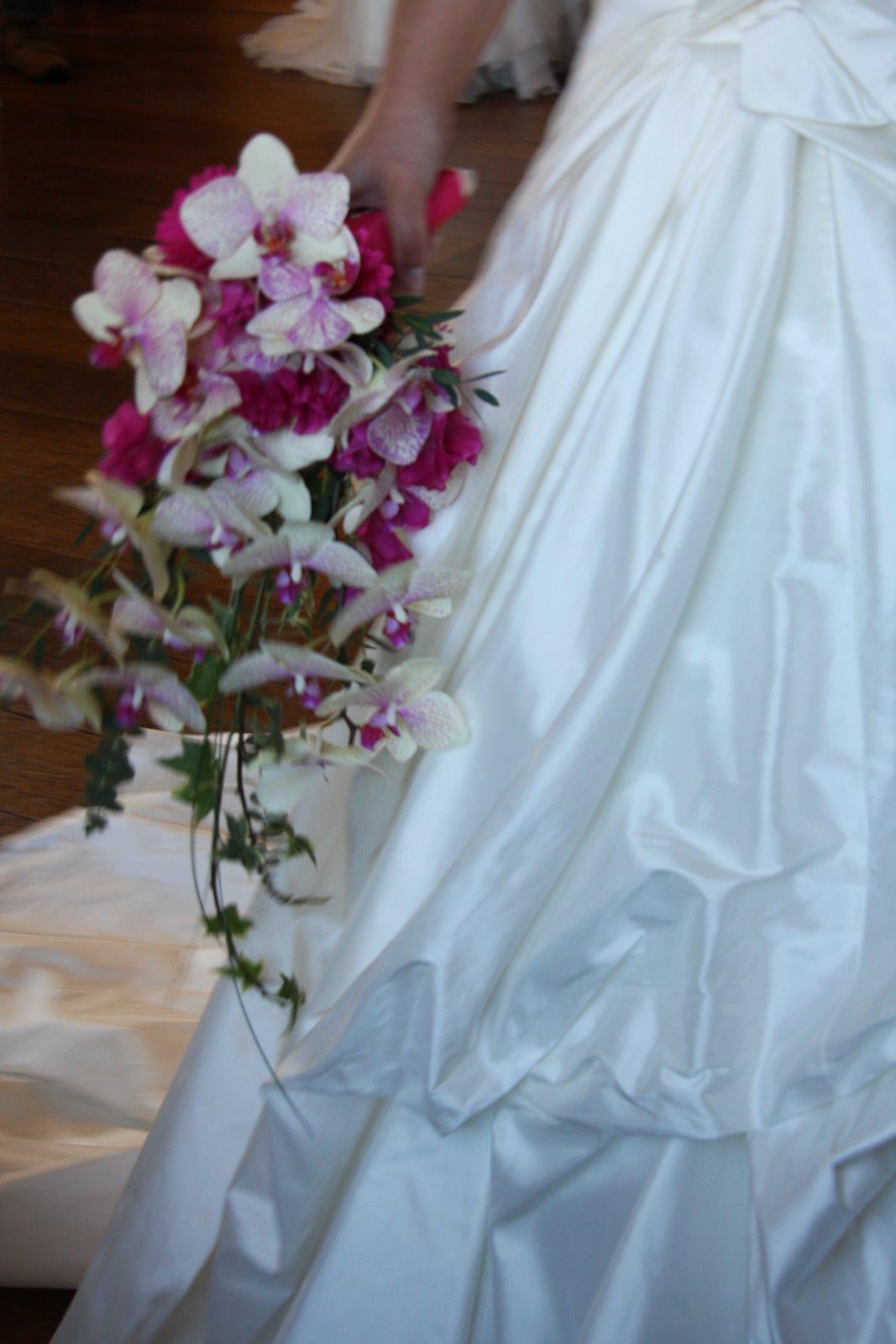 outdoor fall wedding reception cascading wedding bouquets
