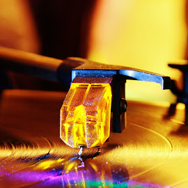 Stylus and record by Peter Salmon - Artistic Objects Other Objects ( music, contrast, record, glow, stylus )