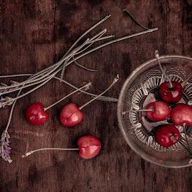 La saison des cerises by Fawzi Demmane - Food & Drink Fruits & Vegetables