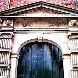 The very old Gate ... Anno 1⃣5⃣9⃣8⃣ by Maritha Graph - Buildings & Architecture Homes ( veryoldgate, gate, anno1598, holland, nederland, netherlands )