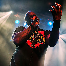 Derrick Green, SEPULTURA by Paweł Mielko - People Musicians & Entertainers ( lights, music, trash metal, vocal, metal, concert photography, sepultura, portraits, vocalist, on stage, portrait )