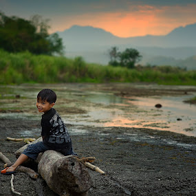 sunset by Darryl Espiritu - Babies & Children Children Candids