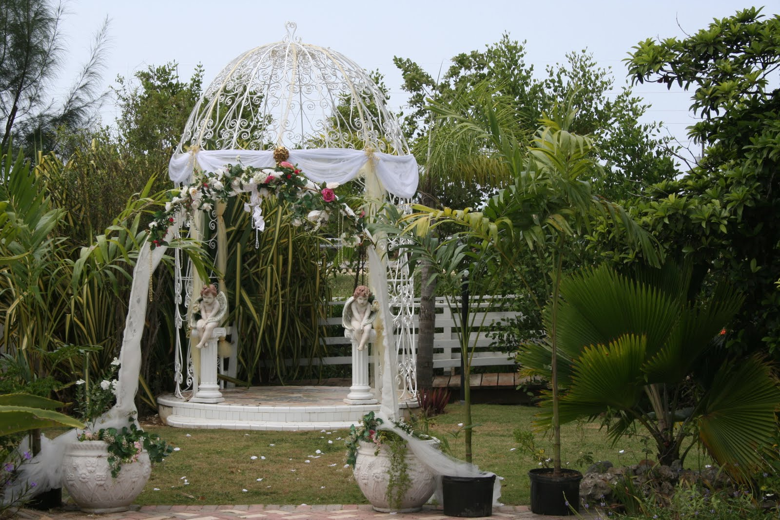is Cayman Garden Weddings,