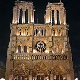 Notre Dame de Paris by Dobrin Anca - Instagram & Mobile iPhone ( paris, prayer, street, cathedral, city )