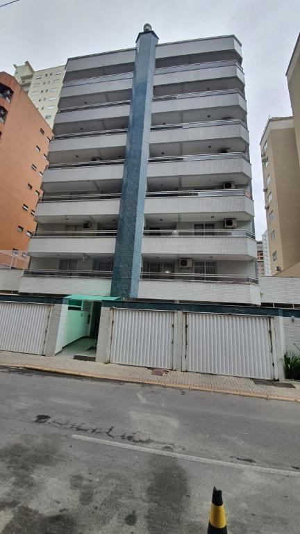 PARA INVESTIR, Apartamento com 2 dormitórios à venda, 77 m² por R$ 550.000 - Meia Praia - Itapema/SC