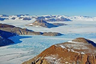 Antartic. by Kelly Speelman.