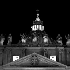 by Anand Lakshmi Kanthan - Buildings & Architecture Public & Historical ( monuments, outdoor photography, church, black and white, rome, bassilica, monument, architectural detail, tourism, architecture, travel photography, travel locations )