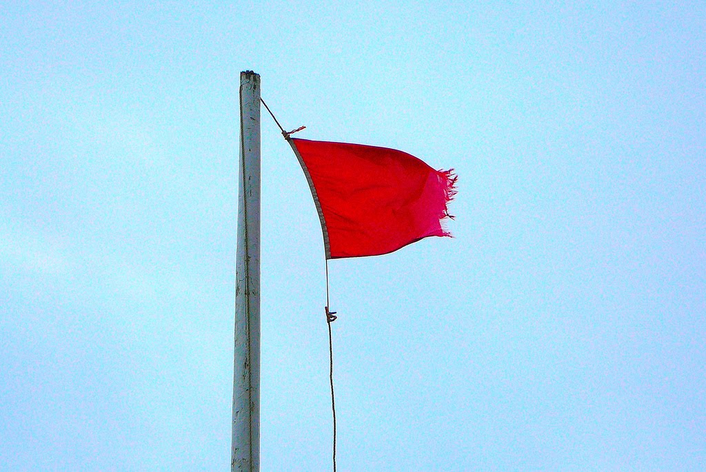 6 Red Flags for Writers to Avoid in Online Ads