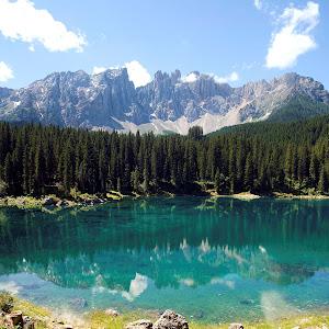 2012, Tirolo, Lago di Carezza, panorama laterale destro verticale.jpg