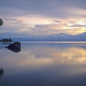 Senja di Danau Poso.jpg