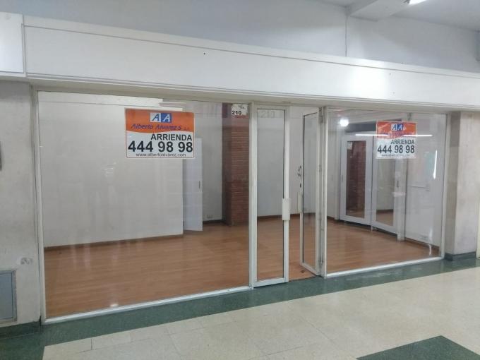 locales en arriendo centro 594-3755