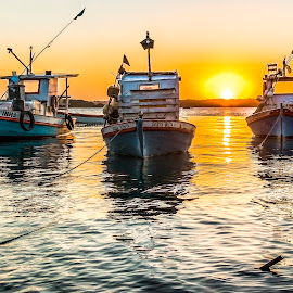 Boats at Sunset. by Rqserra Henrique - Transportation Boats ( water, sunset, boats, rqserra, natal brazil, boat, brasil, sun, river )