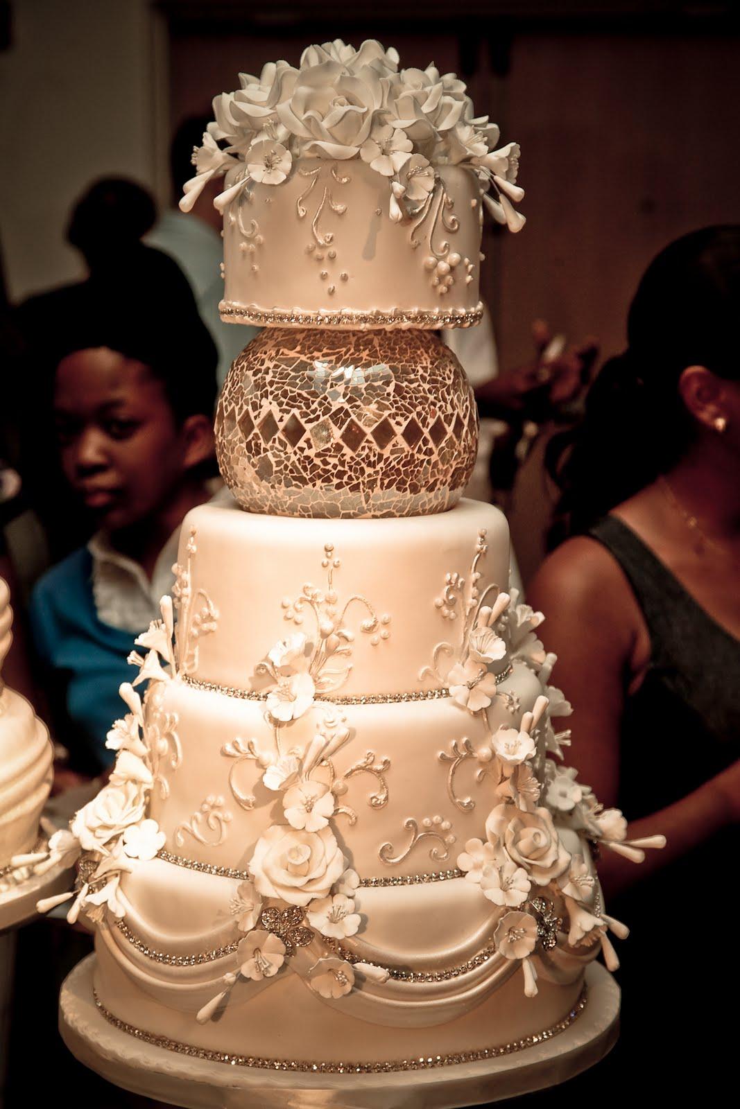 crystal ball wedding cake