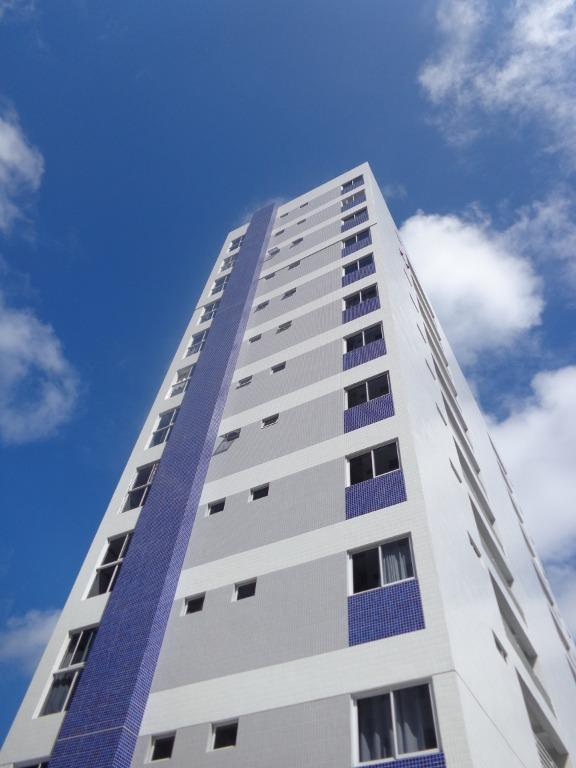 Apartamento com 2 dormitórios para alugar, 58 m² por R$ 840/mês