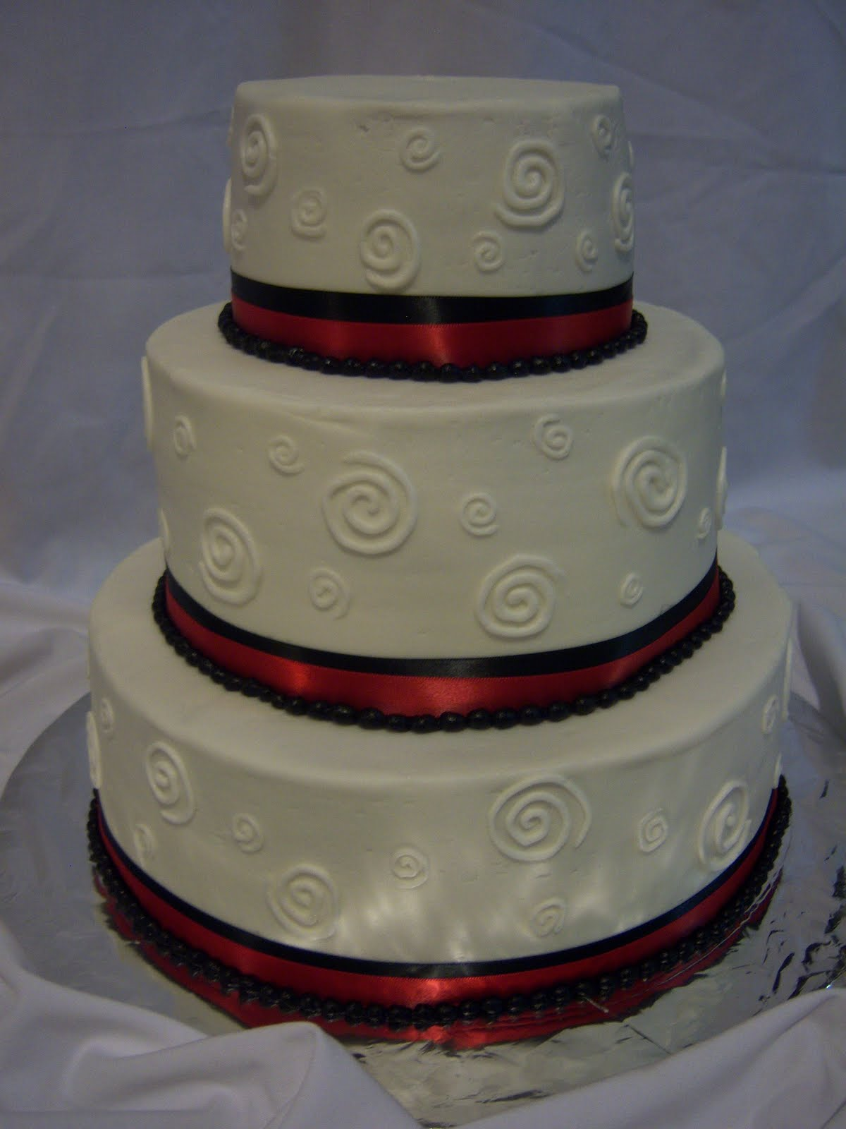 Red And Black Wedding Cakes & Becuo